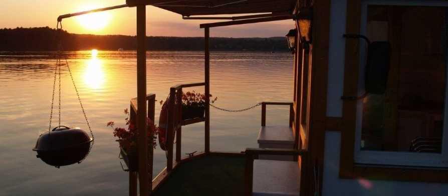 Hausboot sonnenuntergang slider